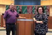 Ingo Bings (stellvertretender Vorsitzender des Fachbereiches Erziehung) und Sandra van Heemskerk (stellvertretende Landesvorsitzende der komba gewerkschaft nrw) nahmen am KiBiz-Werkstattgespräch teil. Foto: © komba gewerkschaft nrw