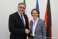 Andreas Hemsing mit Ministerin Ina Scharrenbach (Foto: © Eduard N. Fiegel / photofiegel.de)